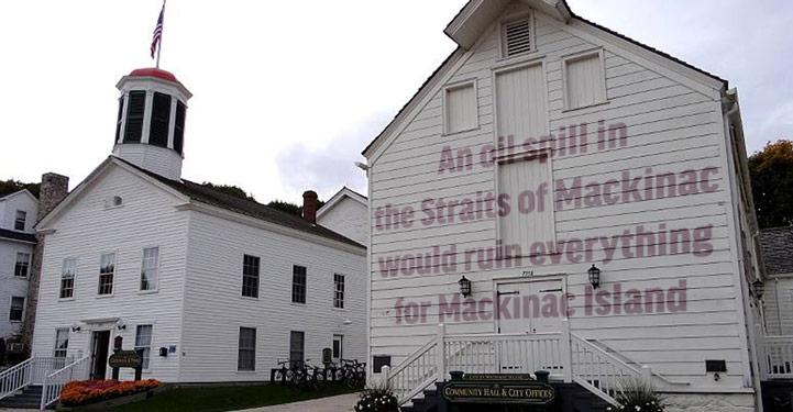 An oil spill would ruin Mackinac Island