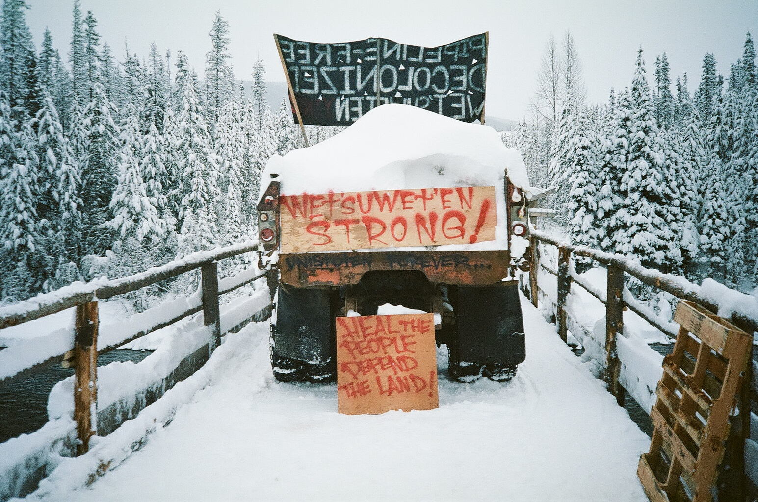 Bridge over the Wedzin Kwa (Morice River) in Wet'suwet'en territory December 2019 - Photo by Michael Toledano