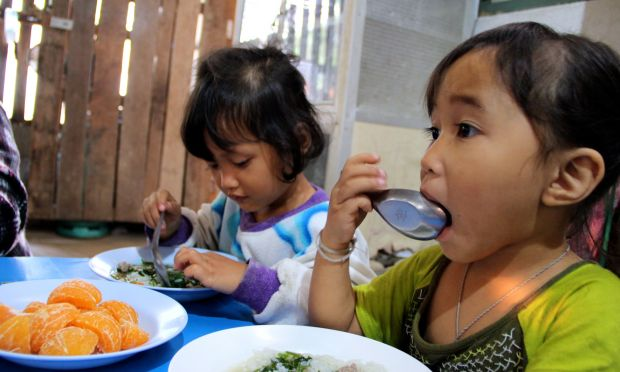 How do you tackle malnutrition? Give children a healthy breakfast