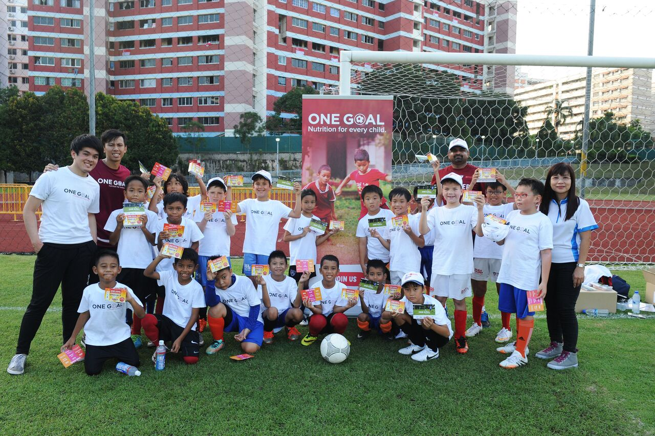 Young footballers learn skills and nutrition at Premier League Football School #BAT2015
