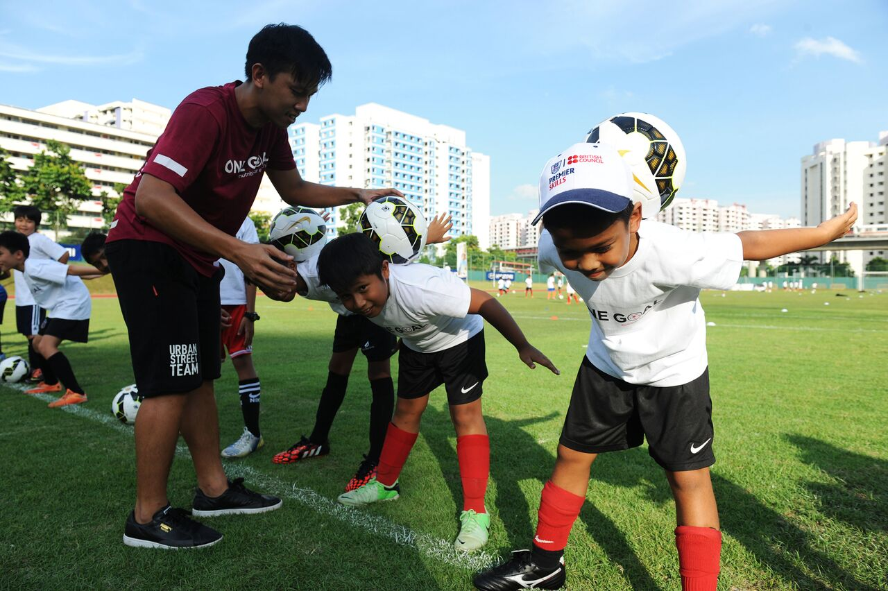 Young footballers learn skills and nutrition at Premier League Football Skill