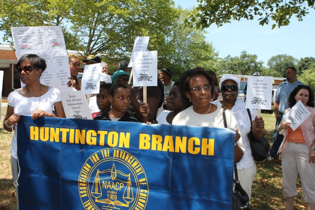 Hunt_NAACP_Protest.jpg