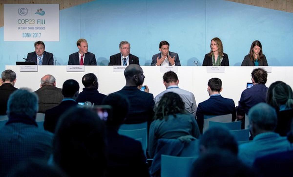 Bonn_panel_2.jpg