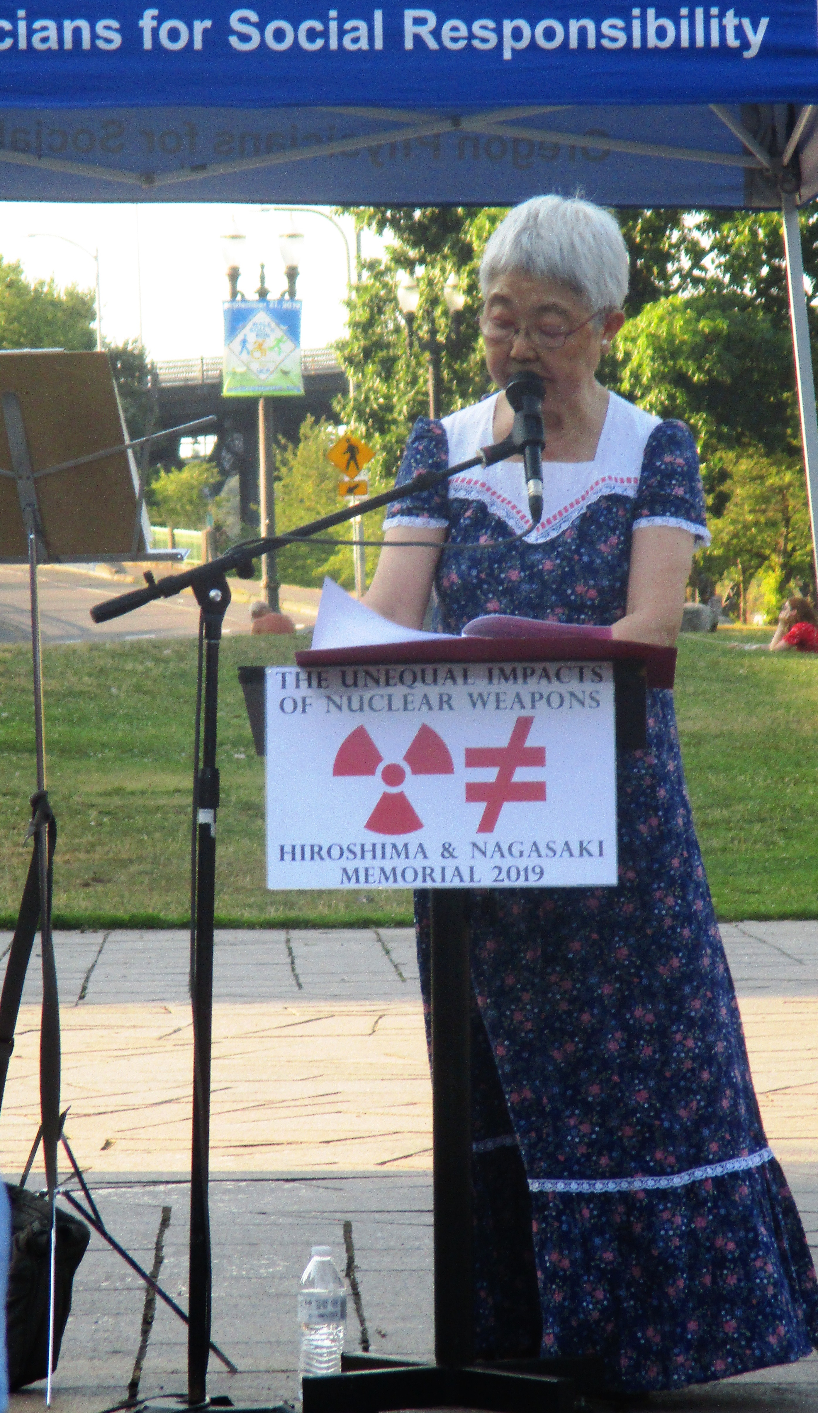 Michiko_Kornhauser_at_podium.jpg