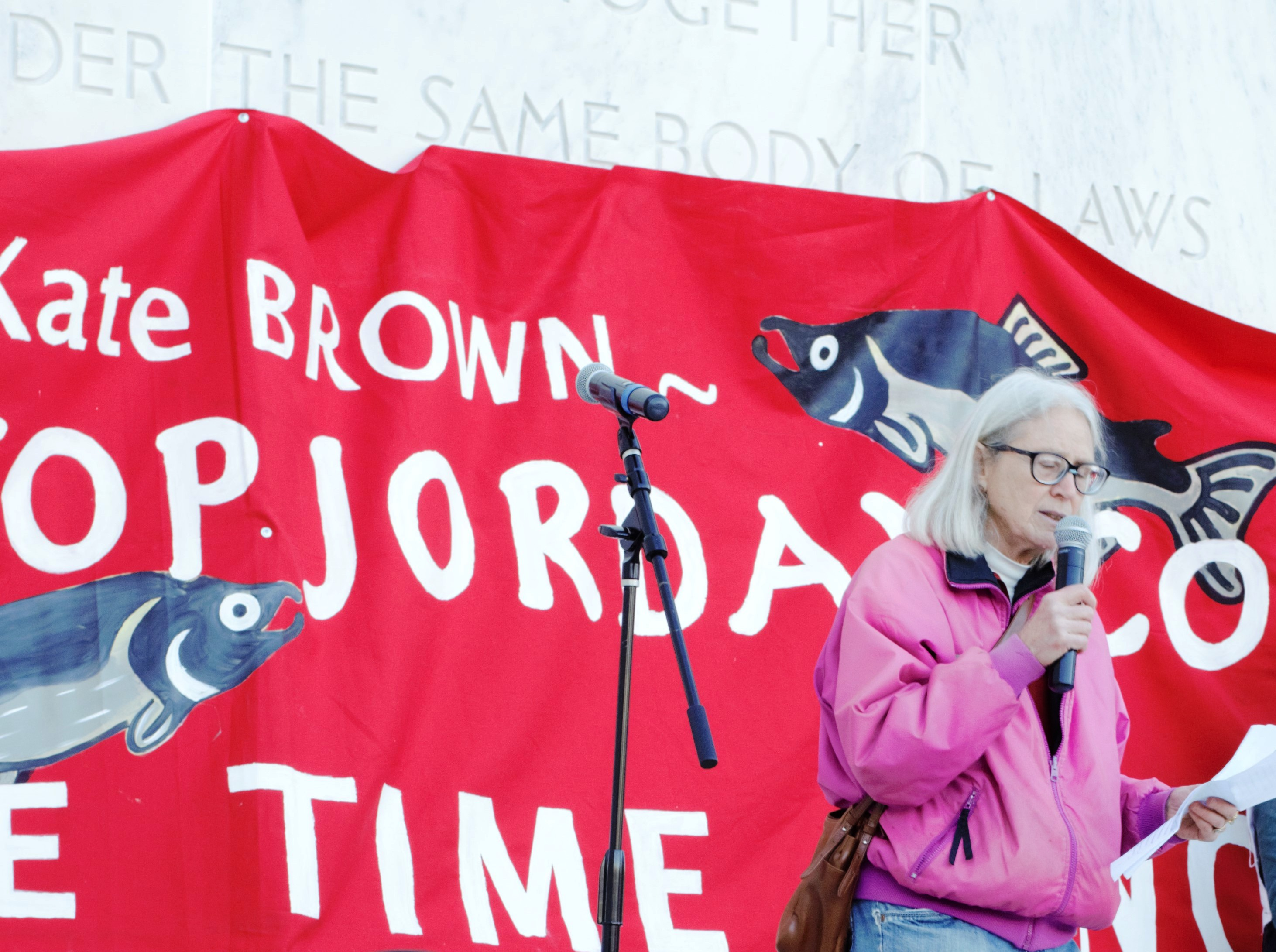 Patsy_Kullberg_speaking_at_Salem_capitol_against_Jordan_Cove_cropped.jpg