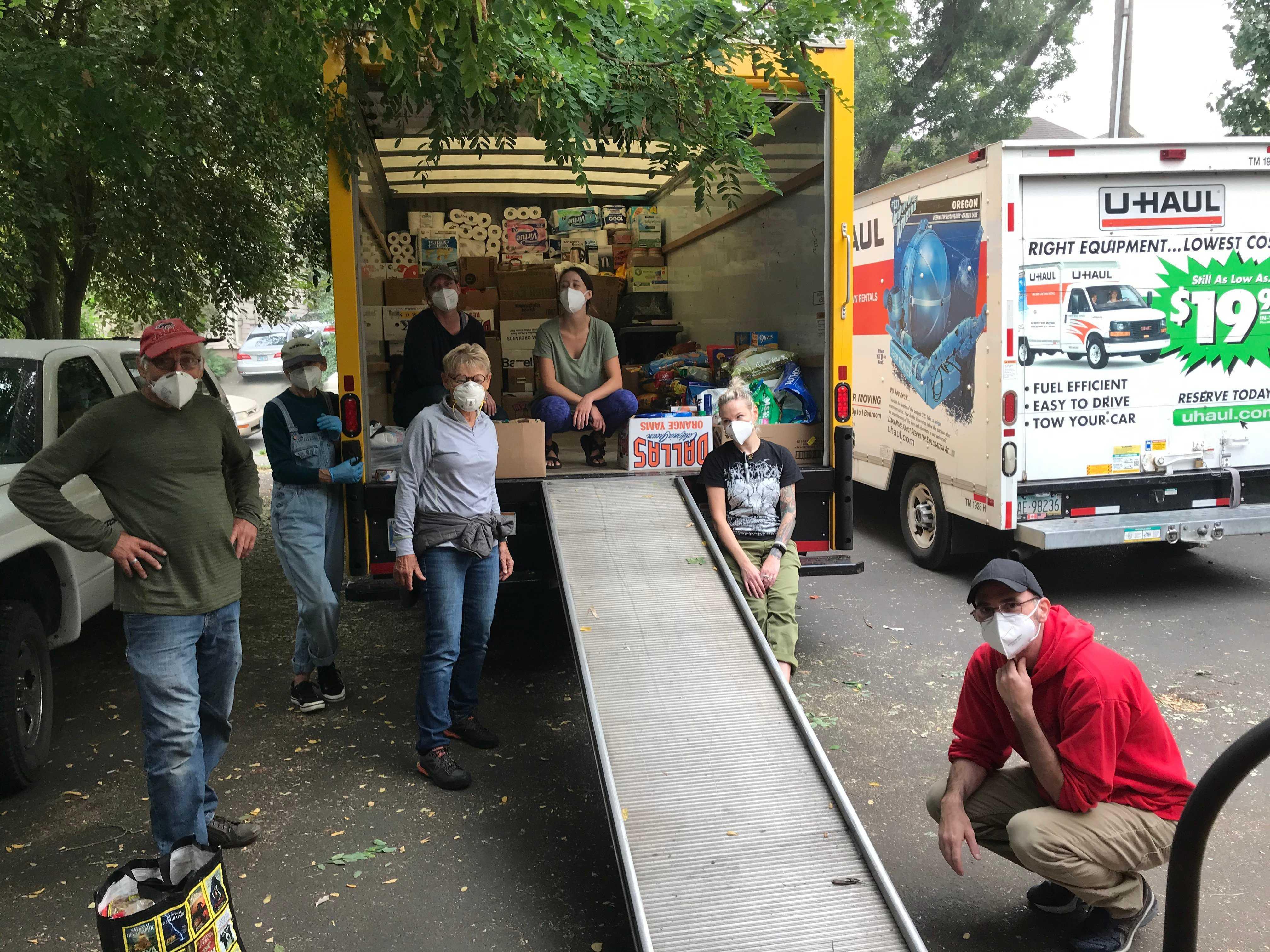 Volunteers_helping_with_wildfires_image_2.jpg