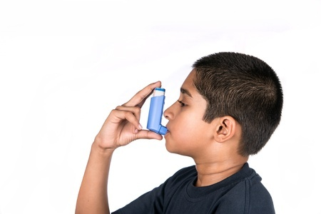 kid_using_inhaler.jpg