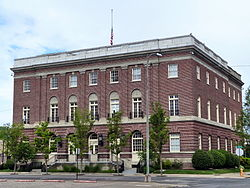 250px-James_A._Redden_Federal_Courthouse_-_Medford_Oregon.jpg