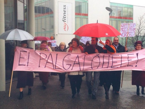 PES Women demonstrate in Pärnu
