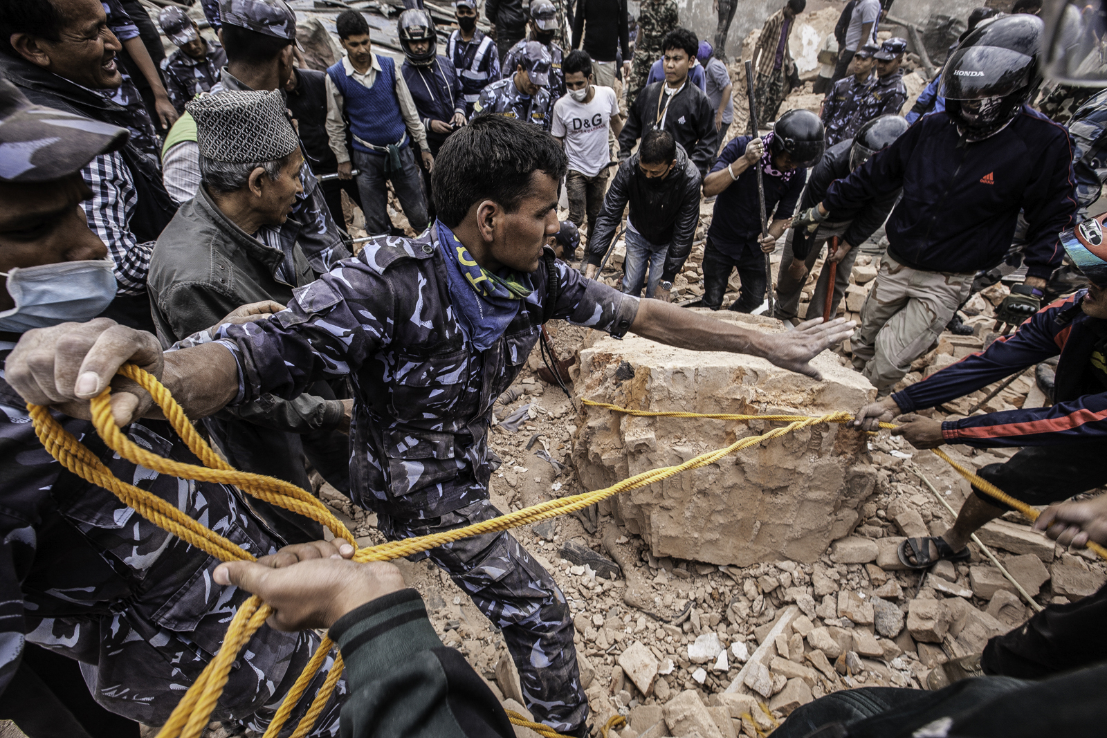 Nepal earthquake - rescuers at work