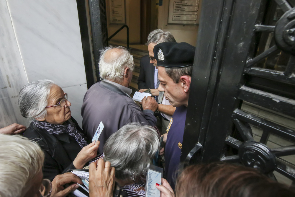 Greece-pensioners_292412906.jpg