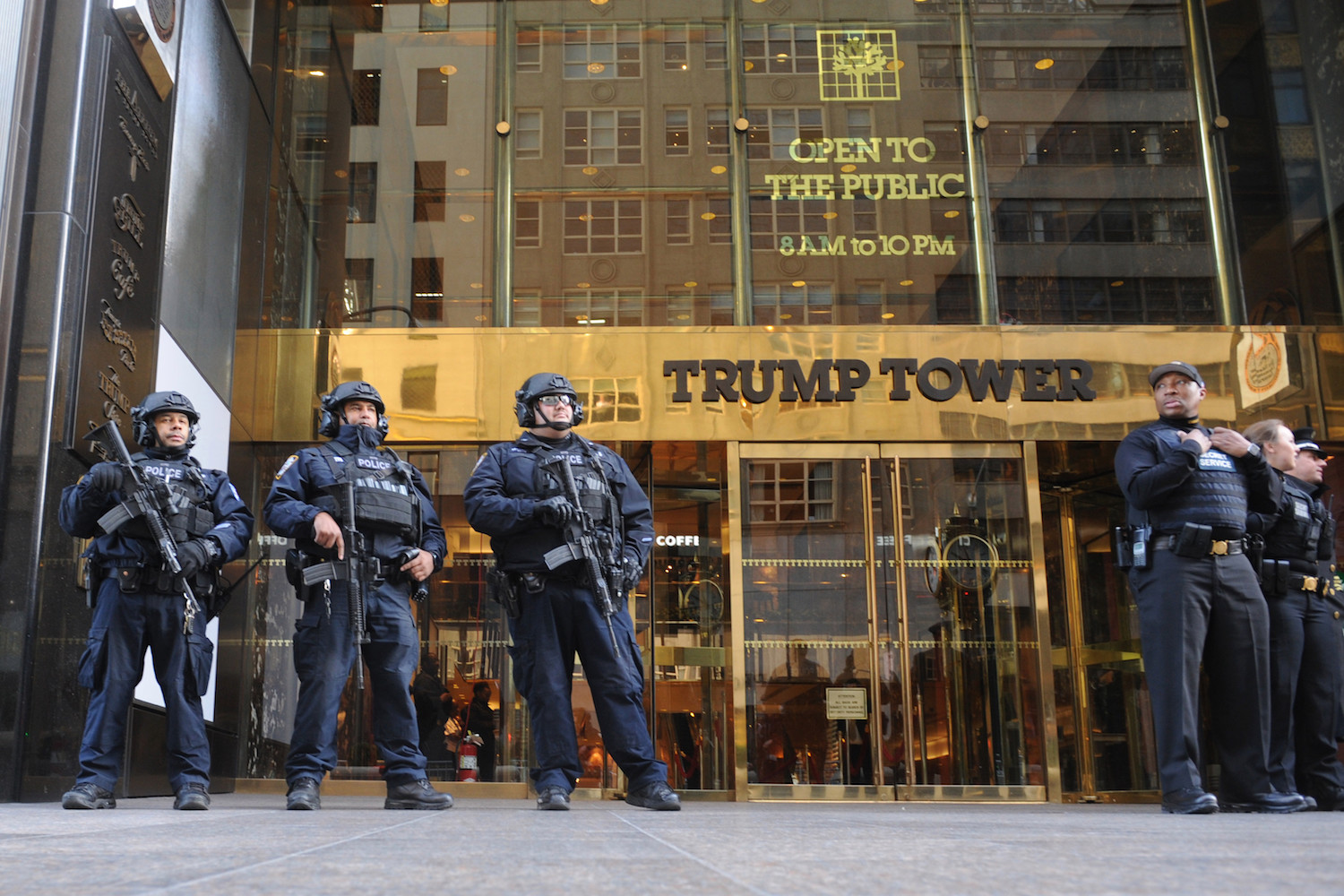 161124-trump-tower-security-feature.jpg