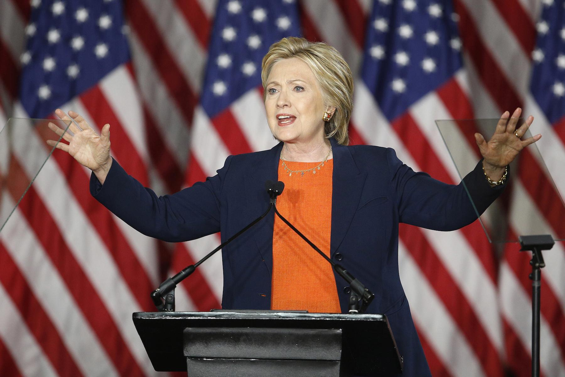 DEM-2016-Clinton_Comm-27.jpg