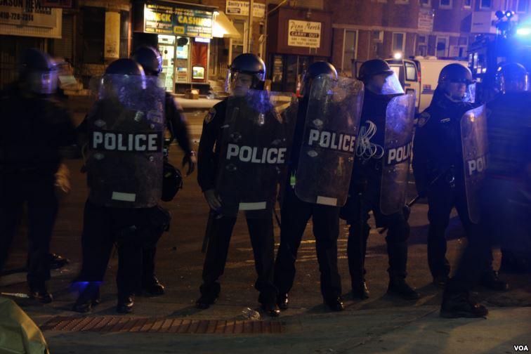 Baltimore_riot_police_VOA.jpg