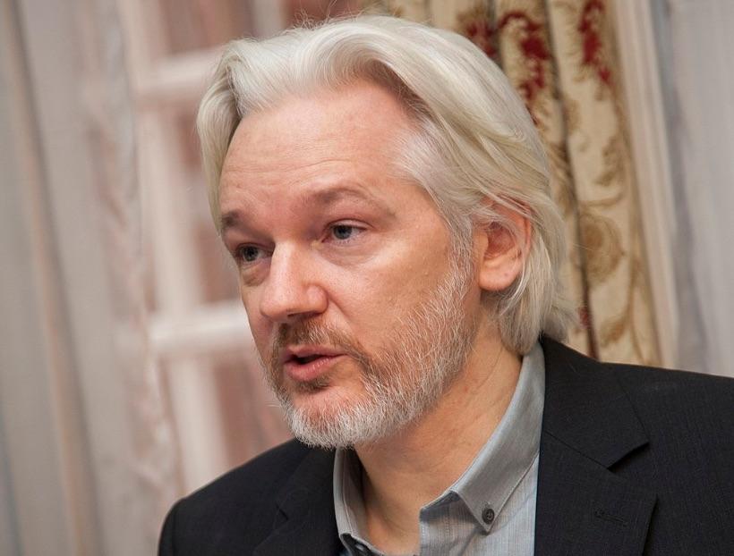 https://d3n8a8pro7vhmx.cloudfront.net/pcf/pages/12609/attachments/original/1609841347/visuel_Assange.jpg?1609841347