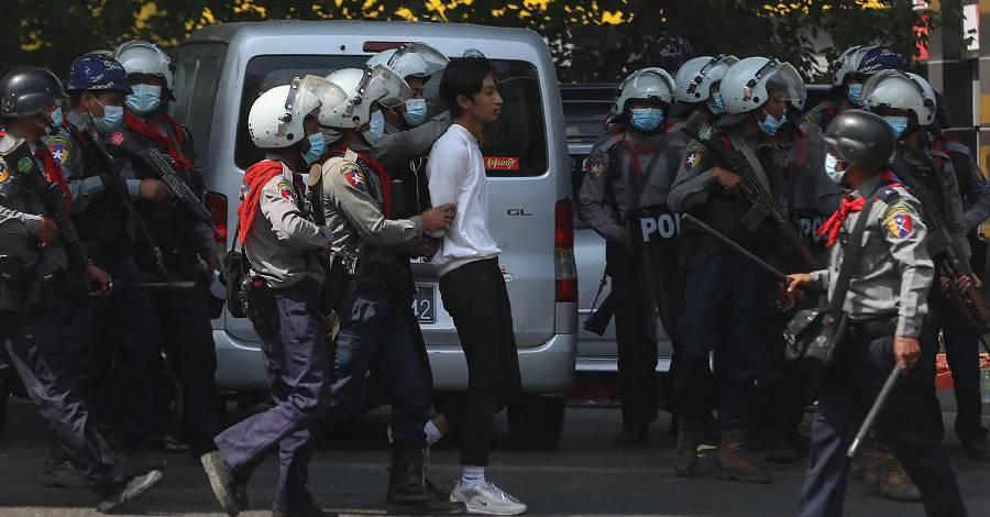 visuel_Birmanie-arrestations.jpg