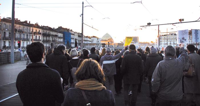 people-street-city-crowd-france-europe-169506-pxhere.jpg