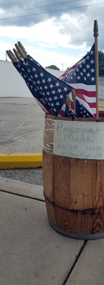 American_Flags_narrow_400.jpg