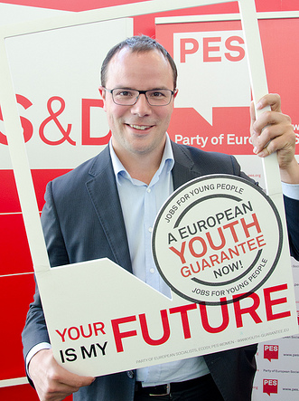 Saïd El-Khadraoui MEP supports the European Youth Guarantee campaign