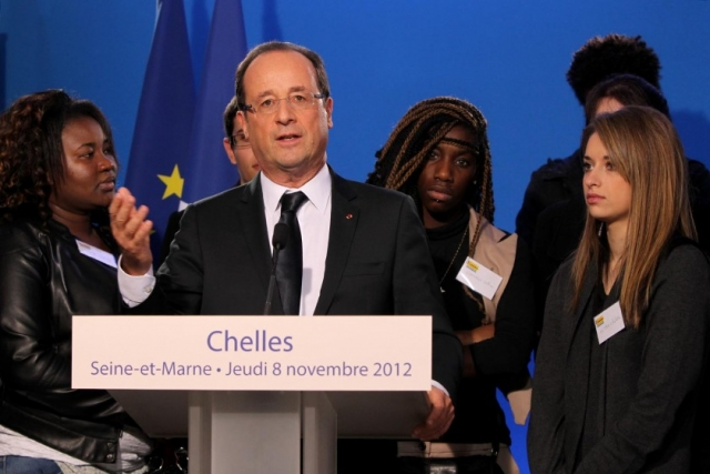 François Hollande against youth unemployment