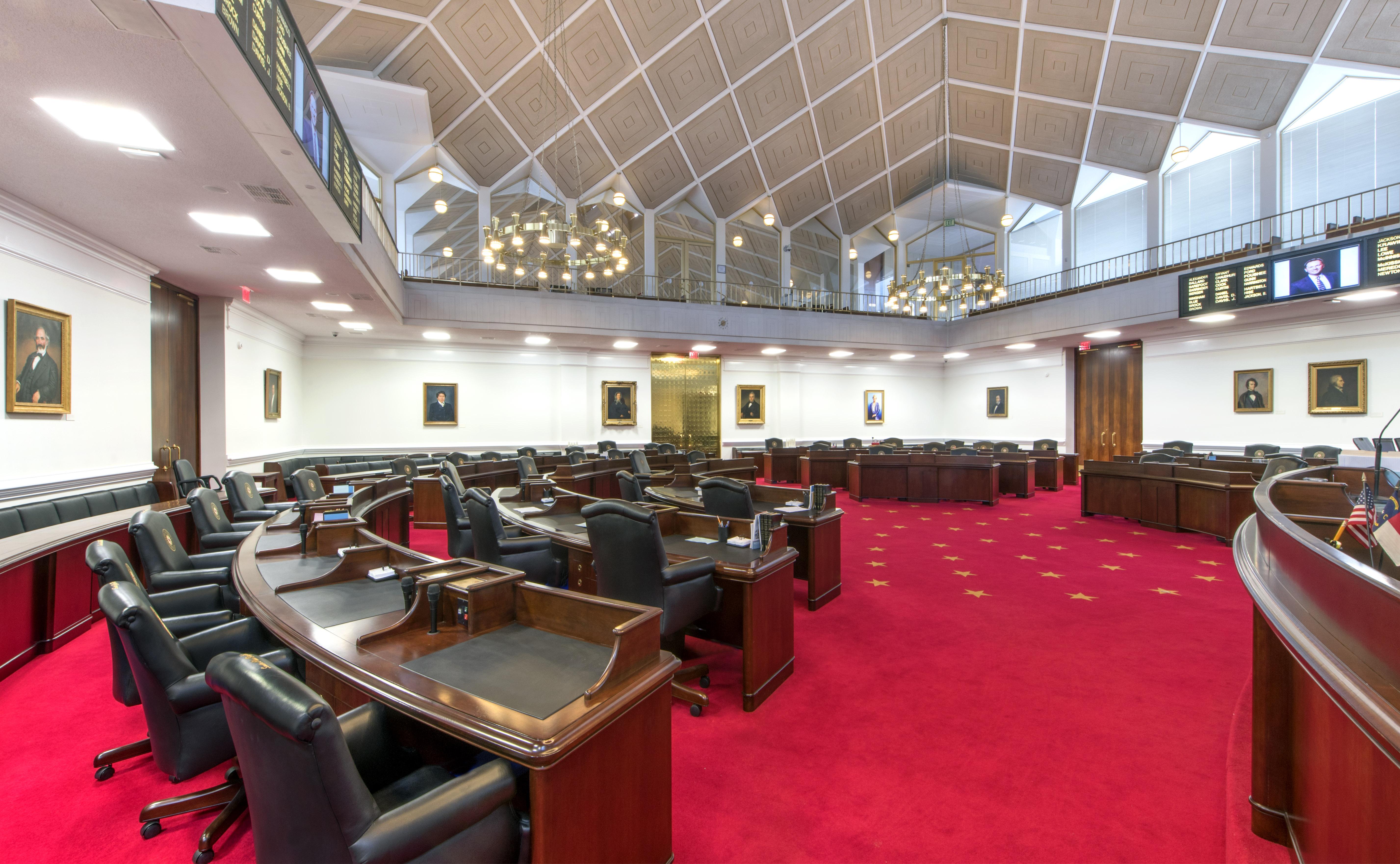 Senate_Chamber_photo-16-1212-012.jpg
