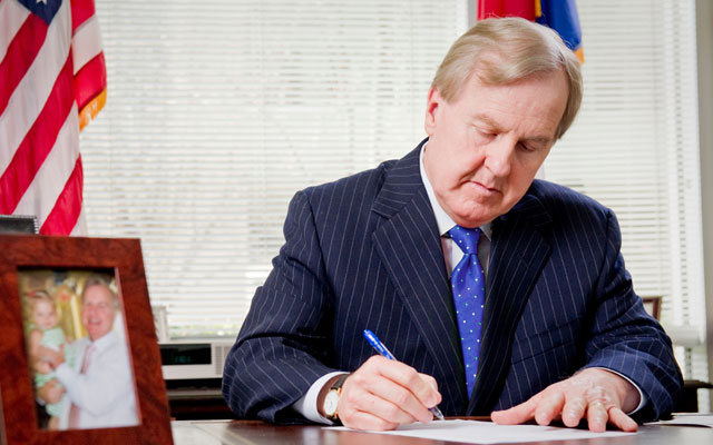 Robert_Pittenger.jpg