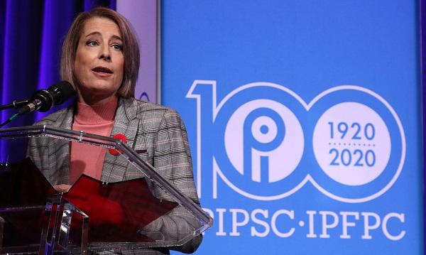 La présidente de l'IPFPC, Debi Daviau