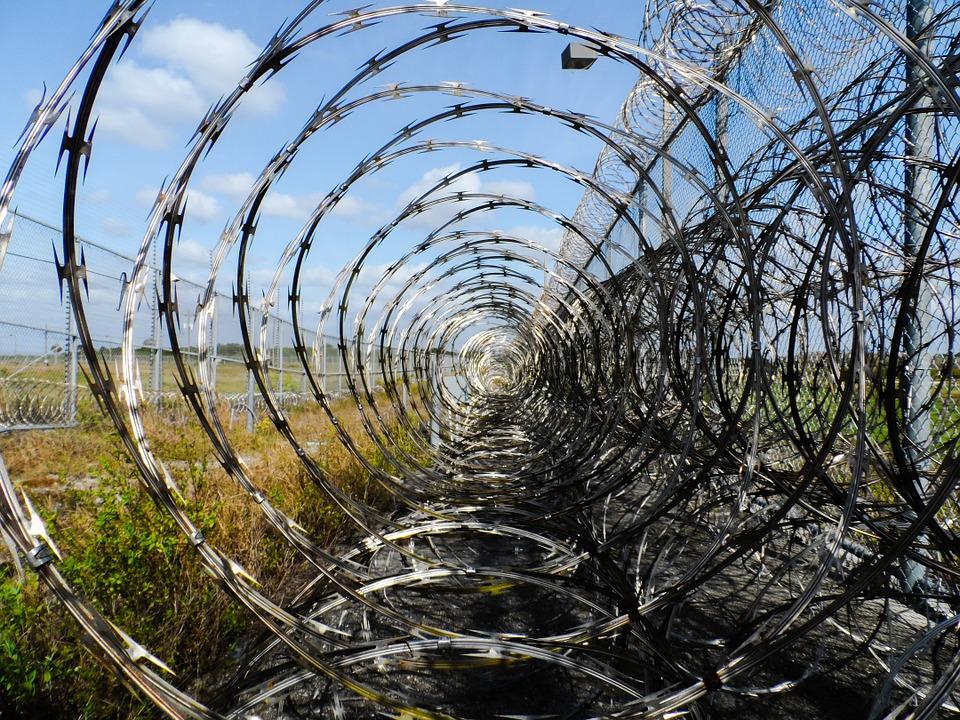 prison_wire.jpg