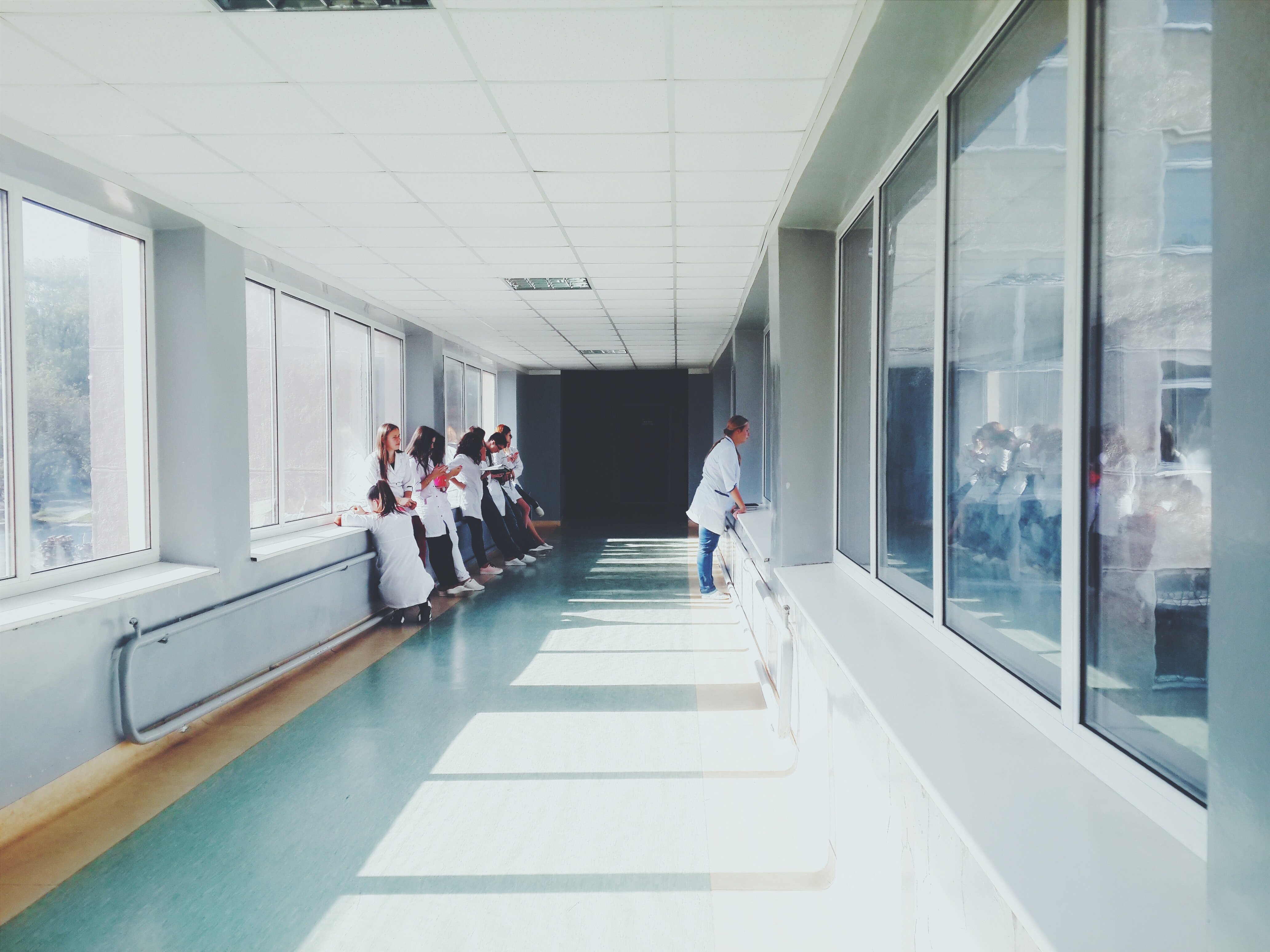 clinic-doctors-glass-127873.jpg