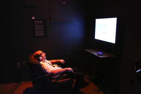 A visitor uses neurofeedback and breathing exercises to achieve a more relaxed state. Photo courtesy of Anja Ulfeldt.