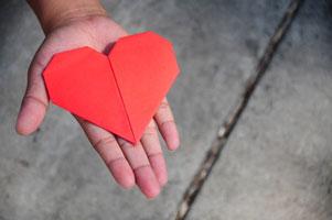 heart_in_hand_2_200.jpg