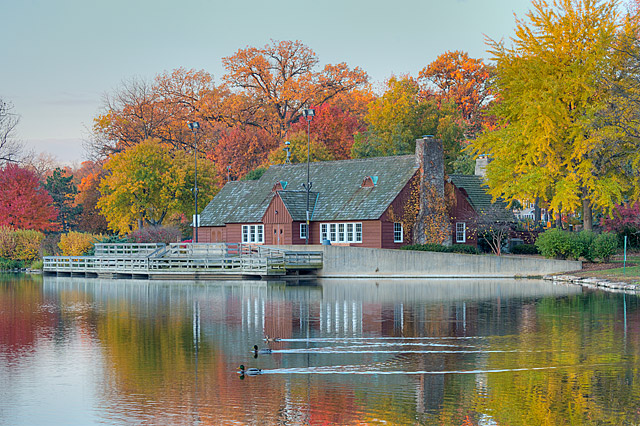 LakeEllynBoathouse.jpg