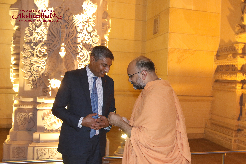https://d3n8a8pro7vhmx.cloudfront.net/prasadpanda/pages/13/features/original/At_the_Swaminarayan_Akshardham_Hindu_Temple_in_New_Dehli.jpg?1545339824