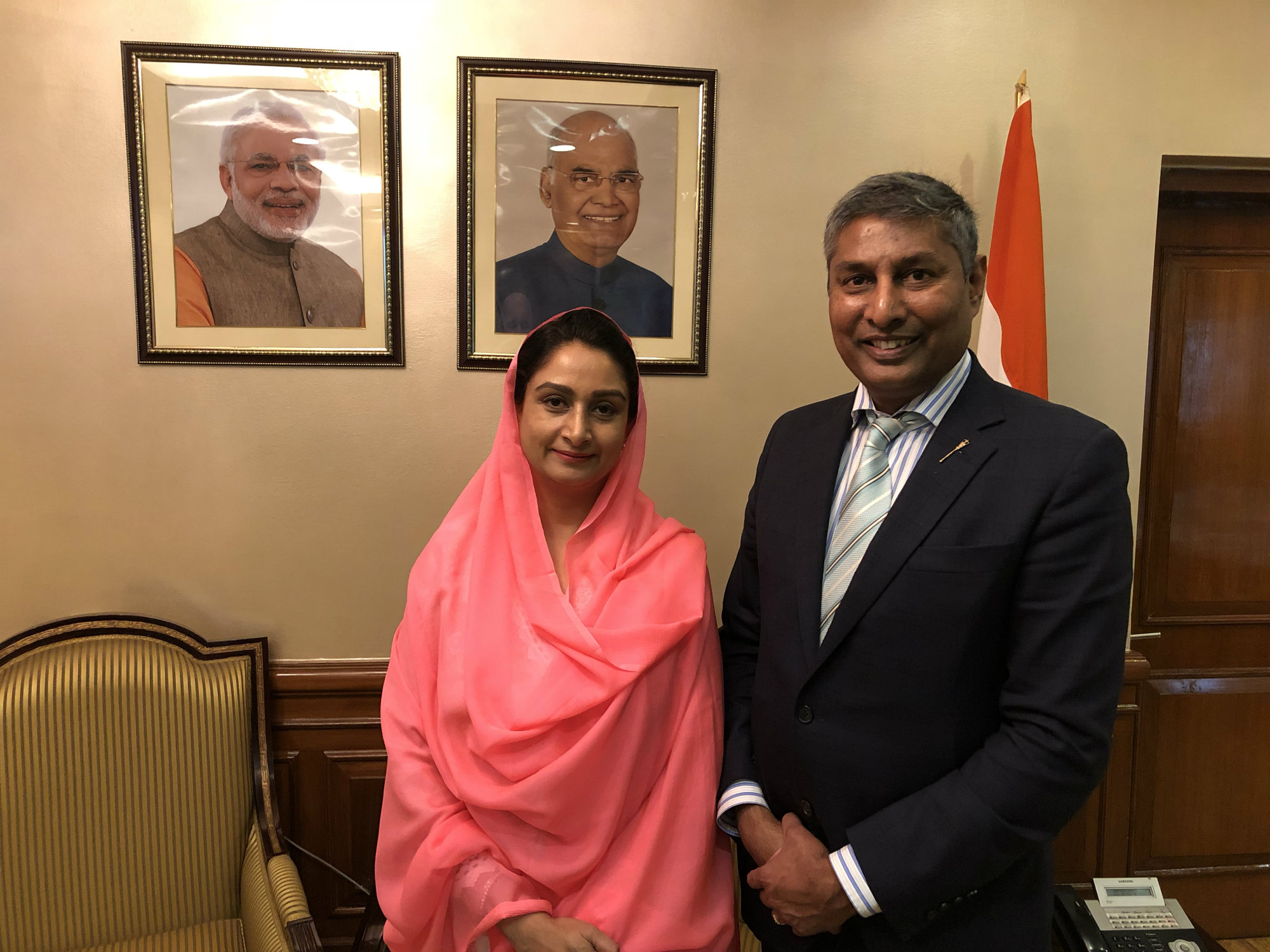https://d3n8a8pro7vhmx.cloudfront.net/prasadpanda/pages/13/features/original/Indian_Minister_of_Food_Processing_Harsimrat_Kaur_Badal_and_I_in_India.JPG?1545339993