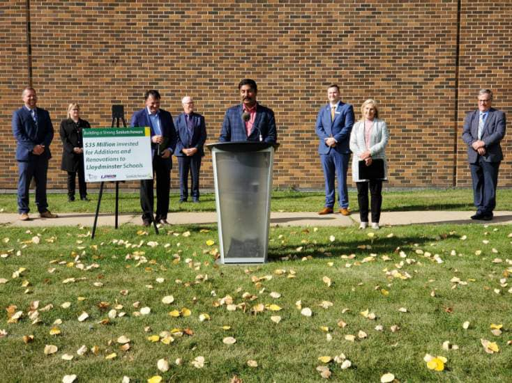 https://d3n8a8pro7vhmx.cloudfront.net/prasadpanda/pages/13/features/original/Joint_Announcement_with_the_Saskatchewan_Government_in_Lloydminster.jpg?1612979352