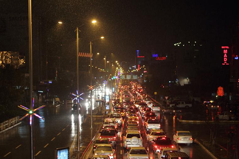 Evening traffic in Sulaymaniyah.