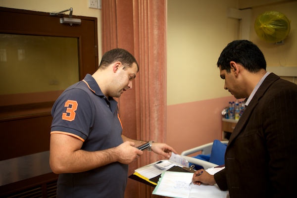A photo of Pavel working alongside a local Iraqi doctor in the ward.
