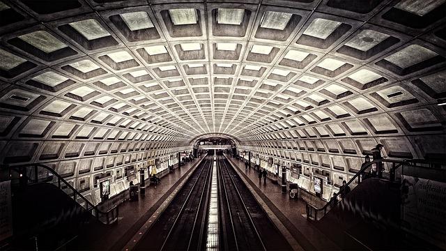 metro-698661_640.jpg