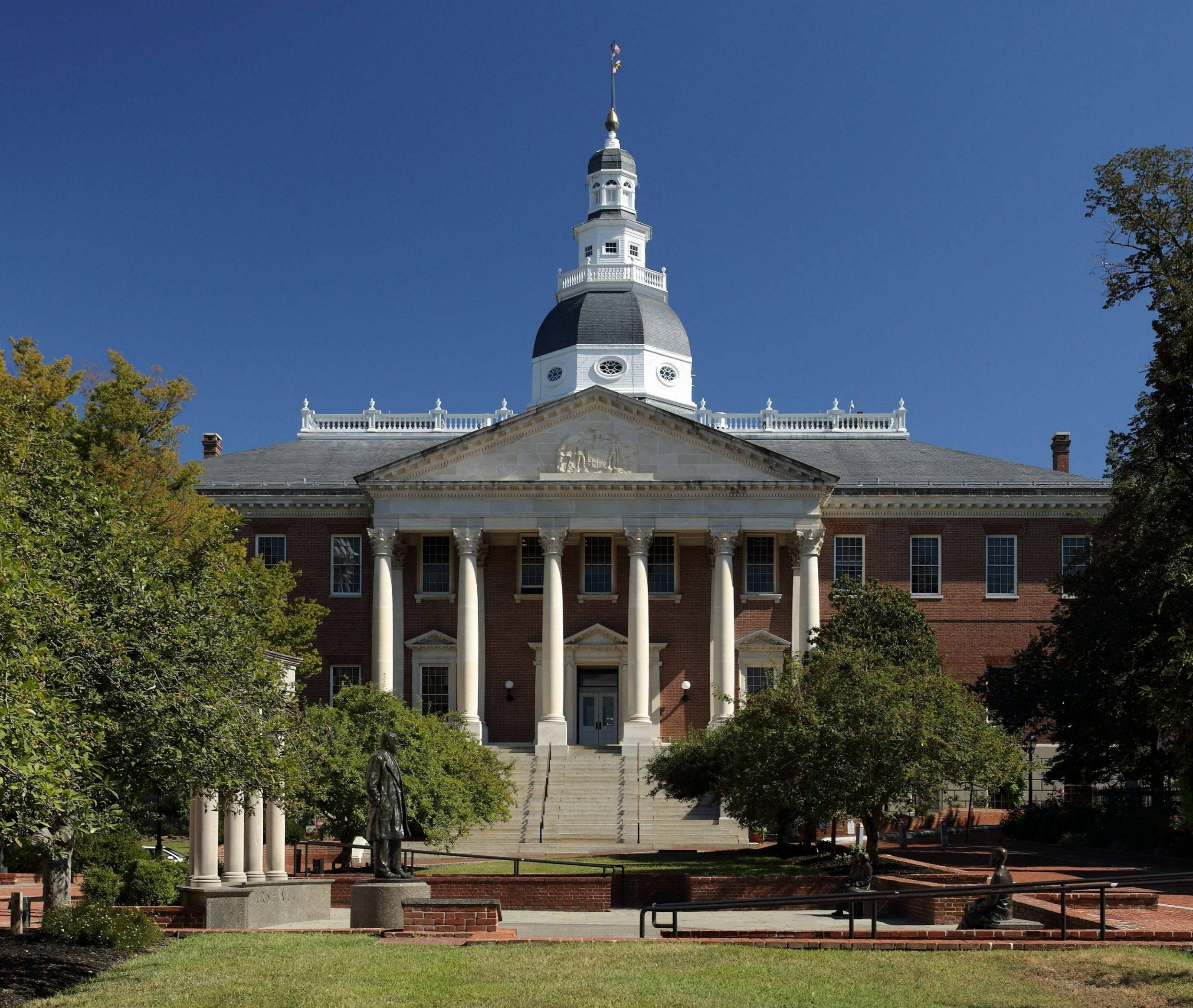 state_house_image_wikimedia_commons.jpg
