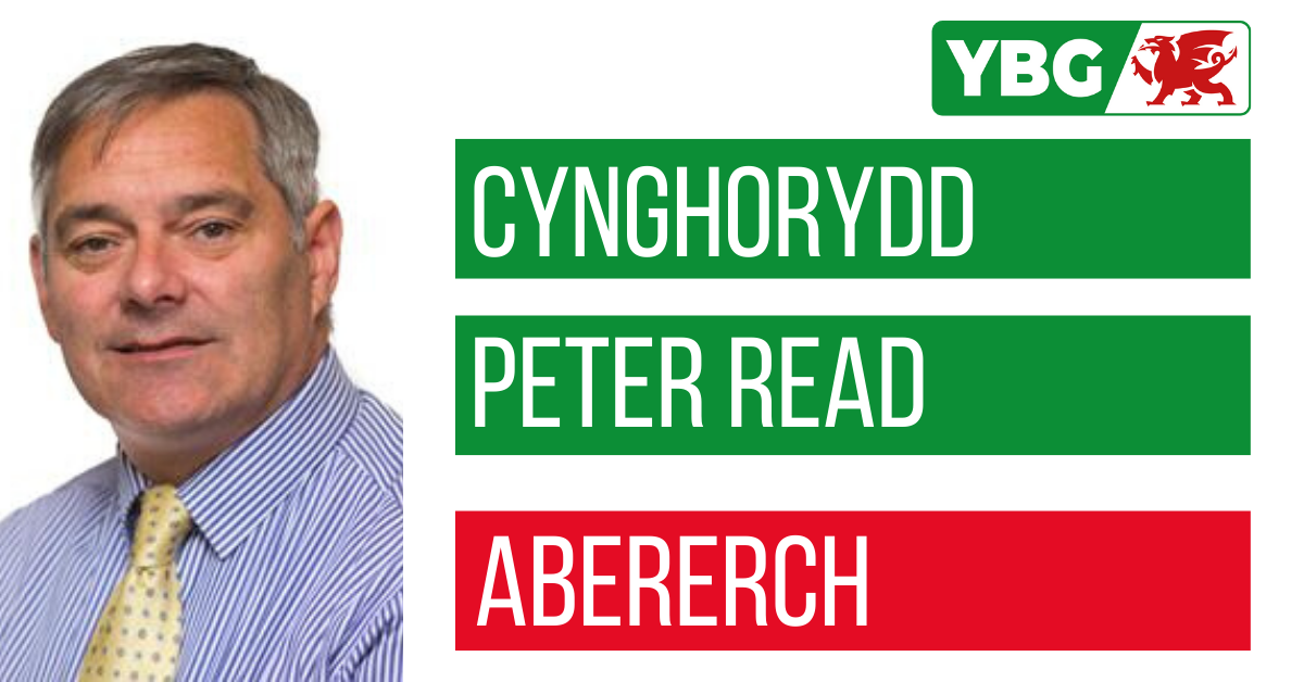 Cynghorydd Peter Read