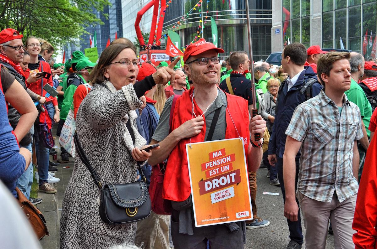 Na de betoging van 16 mei, met 70.000 mensen in Brussel, krabbelde de regering terug met haar pensioen met punten. (Foto Solidair, Patrick Govaert)
