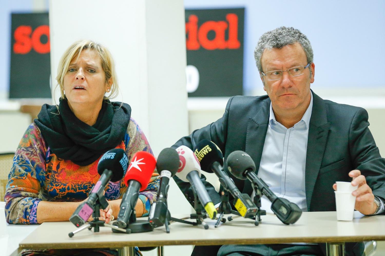 Het duo dat de Brusselse daklozenorganisatie Samusocial beheerde: Pascal Peraïta (PS, ex-directrice van de vzw) en Yvan Mayeur (PS, ex-burgemeester van Brussel). (Foto Belga)