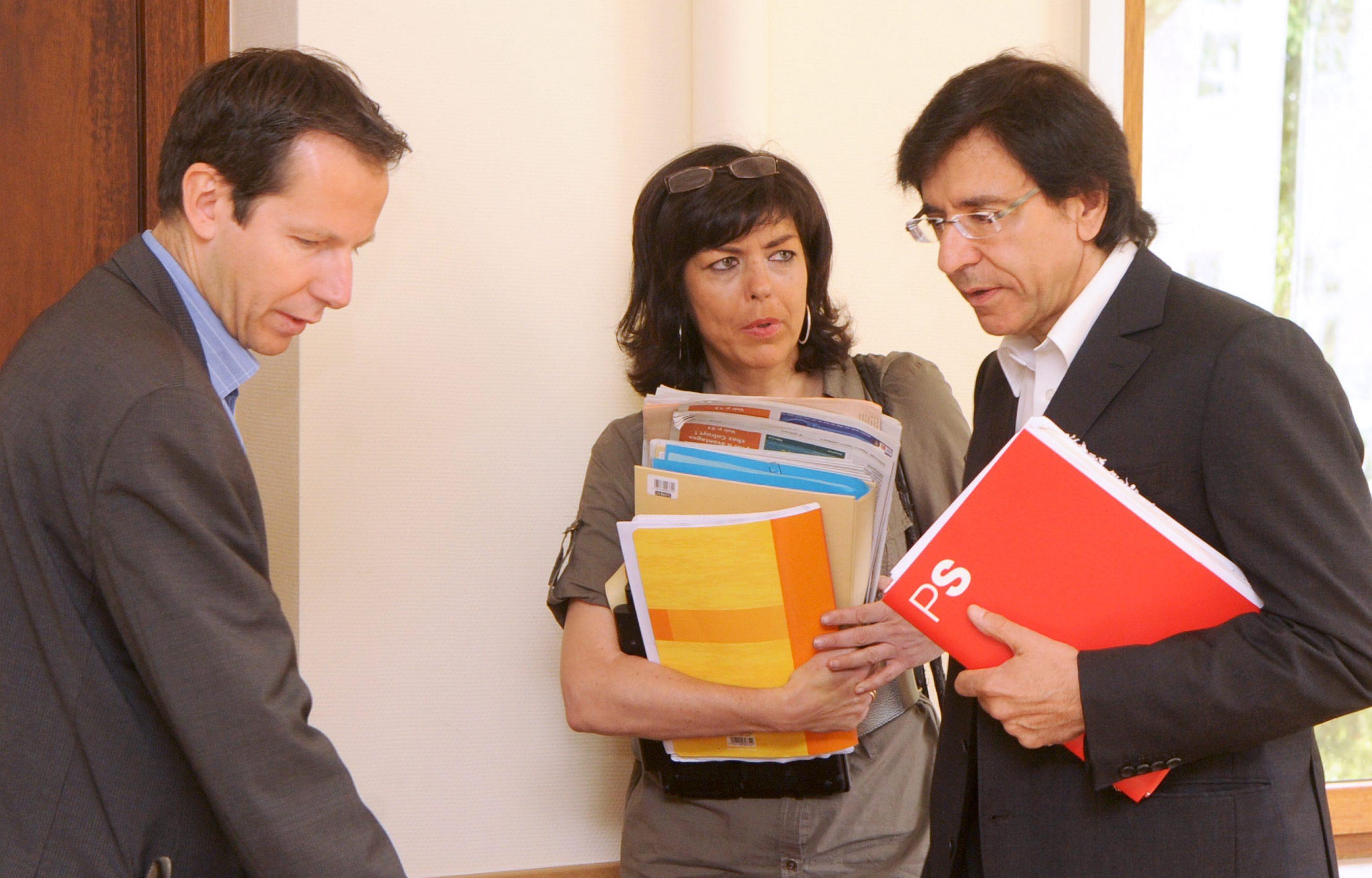 Le 11 juillet 2009, Elio Di Rupo pour le PS, Jean-Michel Javaux pour Ecolo et Joëlle Milquet pour le cdH, annoncent un accord pour la constitution de l'Olivier en Wallonie.