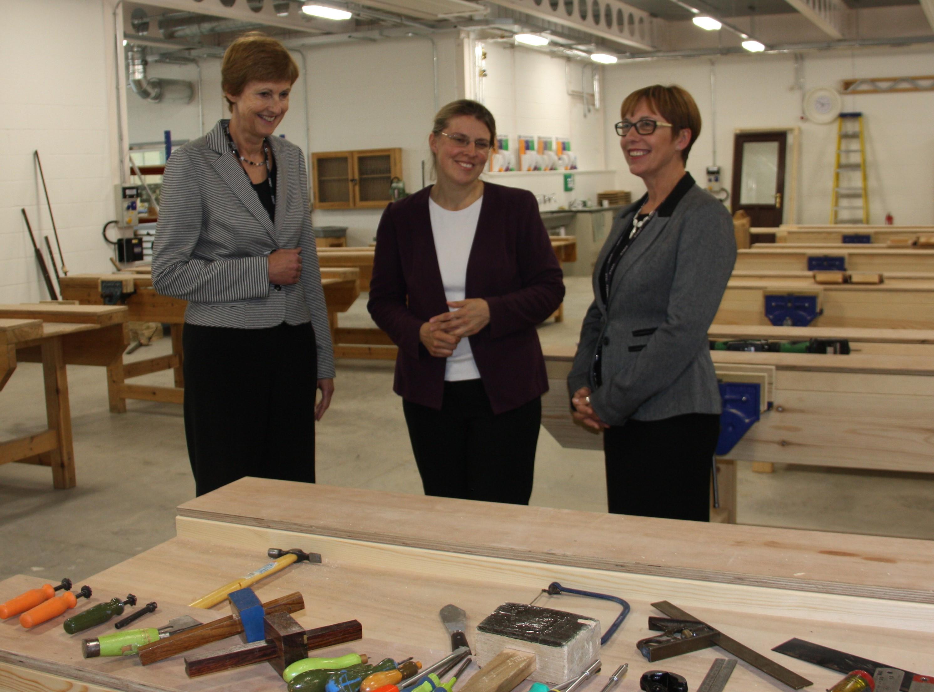 Rachael_Maskell_visit_York_College_Construction_Centre2.jpg