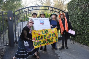 Raging Grannies at Chevron CEO John Watson's house