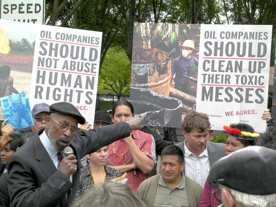Rev Davis at Chevron AGM protest