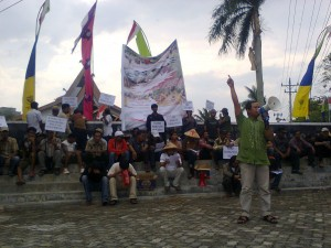Indigenous community protest during President SBY's visit