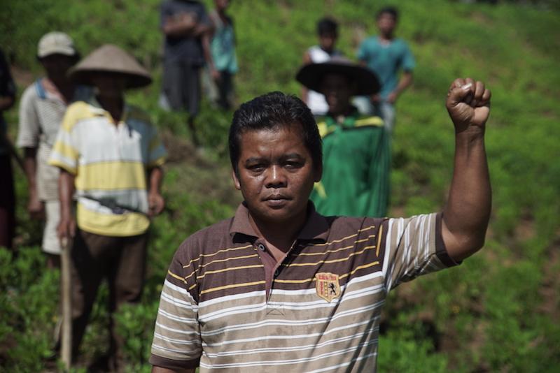 M. Jais, anggota kelompok masyarakat Sekato Jaya di Provinsi Jambi, Indonesia