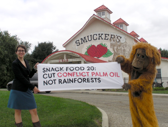 Rainforest Action Network at Smucker's HQ