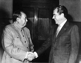 330px-Nixon_Mao_1972-02-29.png
